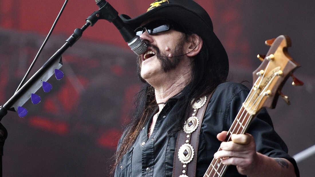Lemmy Kilmister: Rock's thunder and lightning.