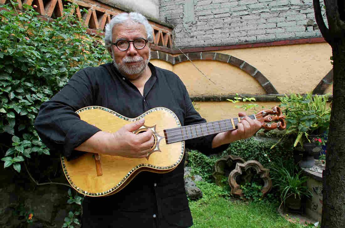 Guillermo Contreras strums the five-string guitarra de golpe.