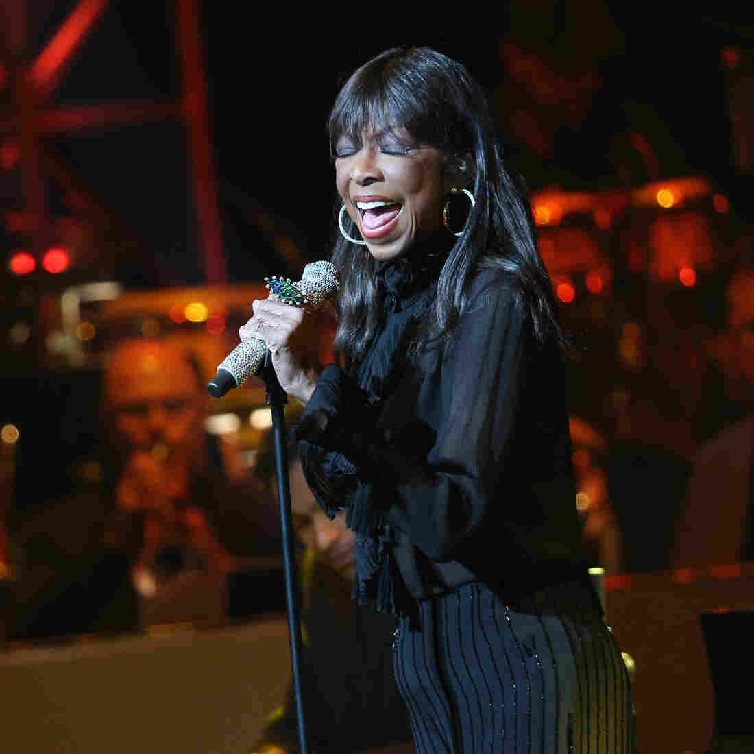 Singer Natalie Cole performs onstage during the SeriousFun Children's Network 2015 Los Angeles Gala celebrating the legacy of Paul Newman on May 14 in Hollywood.