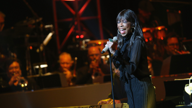 Singer Natalie Cole performs onstage during the SeriousFun Children's Network 2015 Los Angeles Gala celebrating the legacy of Paul Newman on May 14 in Hollywood. (Getty Images)
