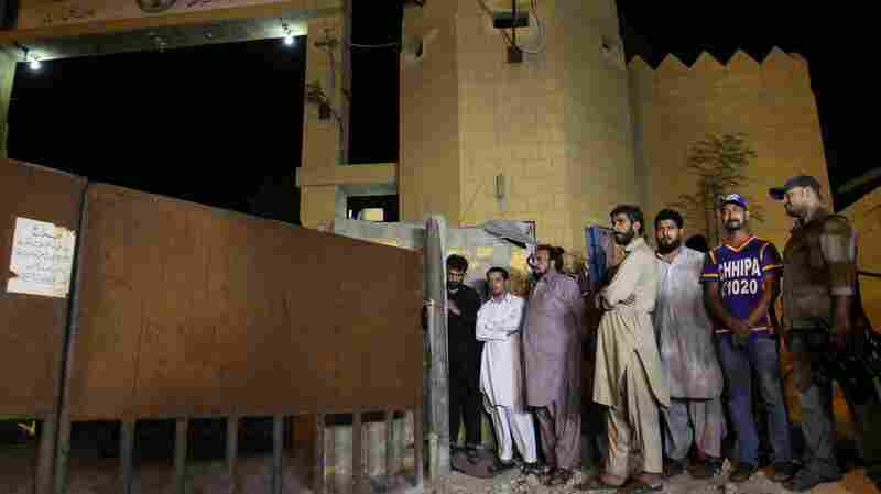 Family members of Shafqat Hussain, who was convicted and hanged in Pakistan in August for killing a boy in 2004, waited to receive his body outside the central jail in Karachi. Pakistan executed more than 300 people last year.