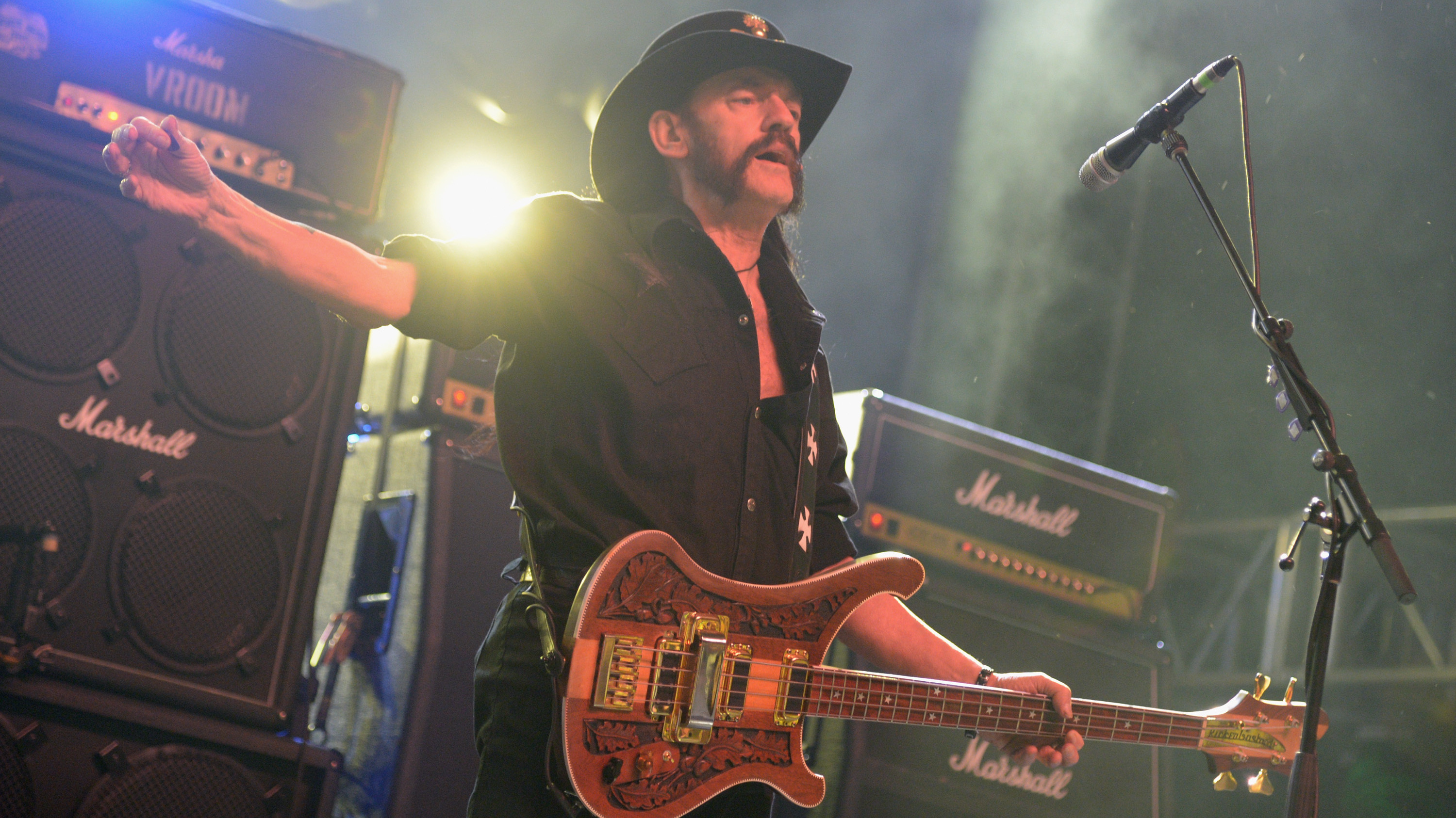 Put Lemmy On The Periodic Table: More Than 100,000 Sign Petition