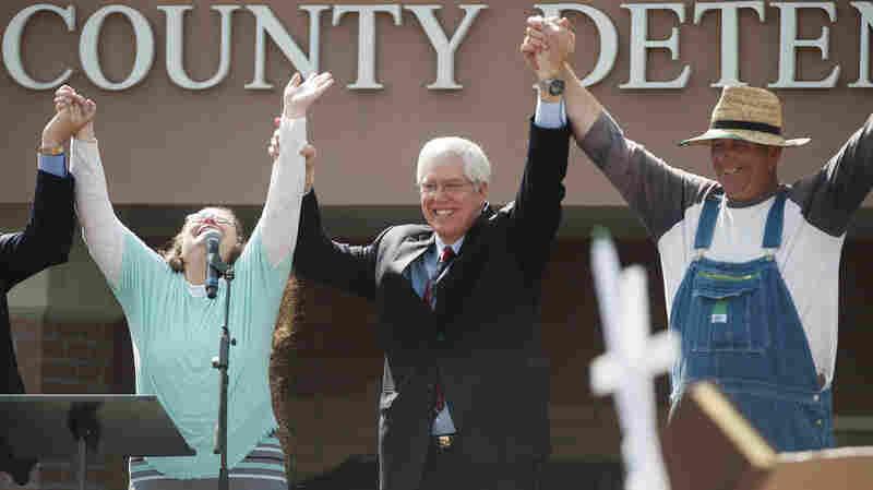 Kim Davis To Attend Obama's State Of The Union Address
