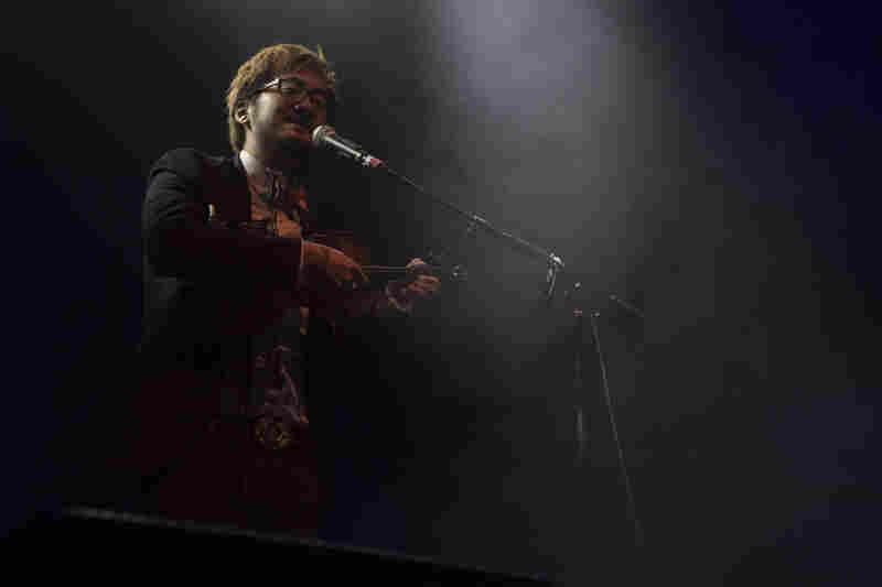 Violinist, singer and looping master Kishi Bashi was among the surprise performers.