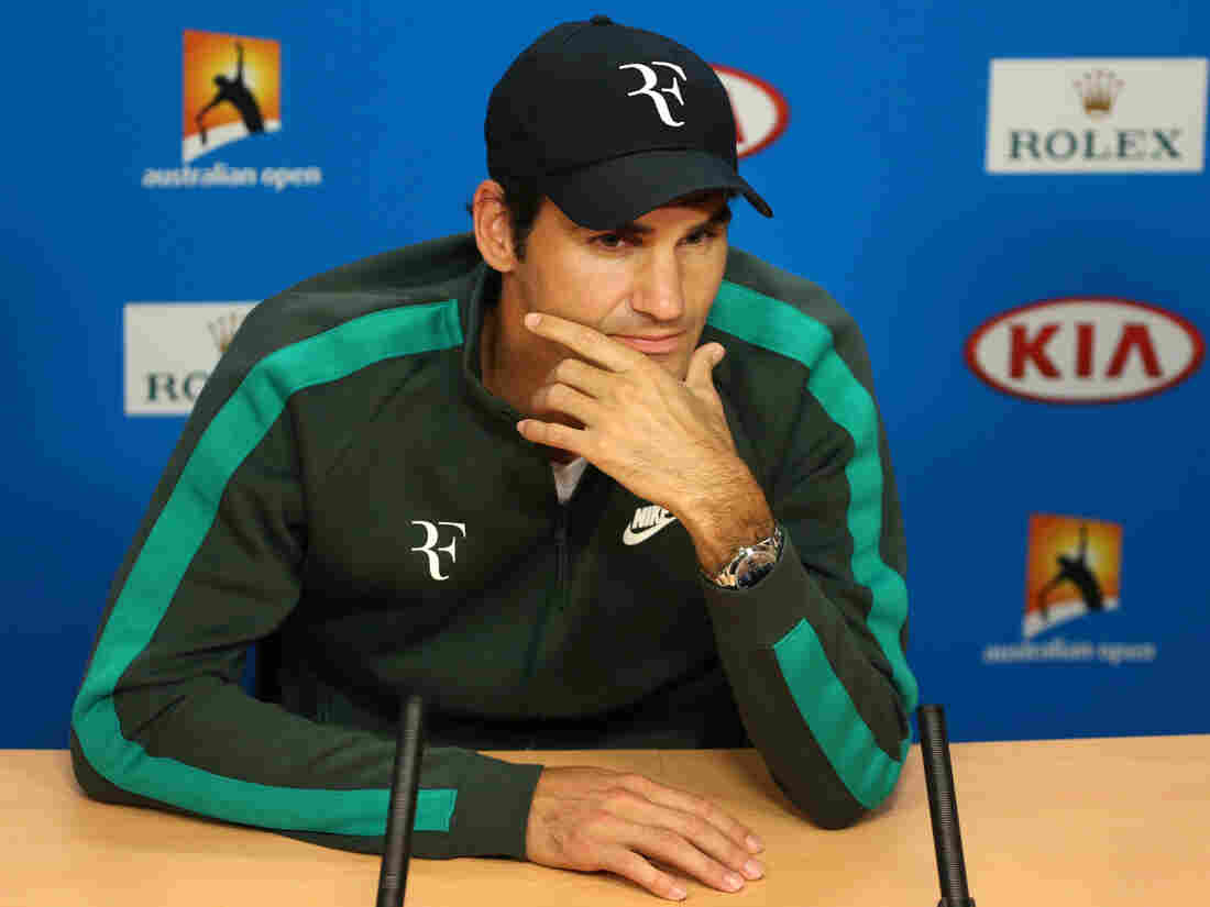 Roger Federer called for the release of players' names who were implicated in match-fixing.