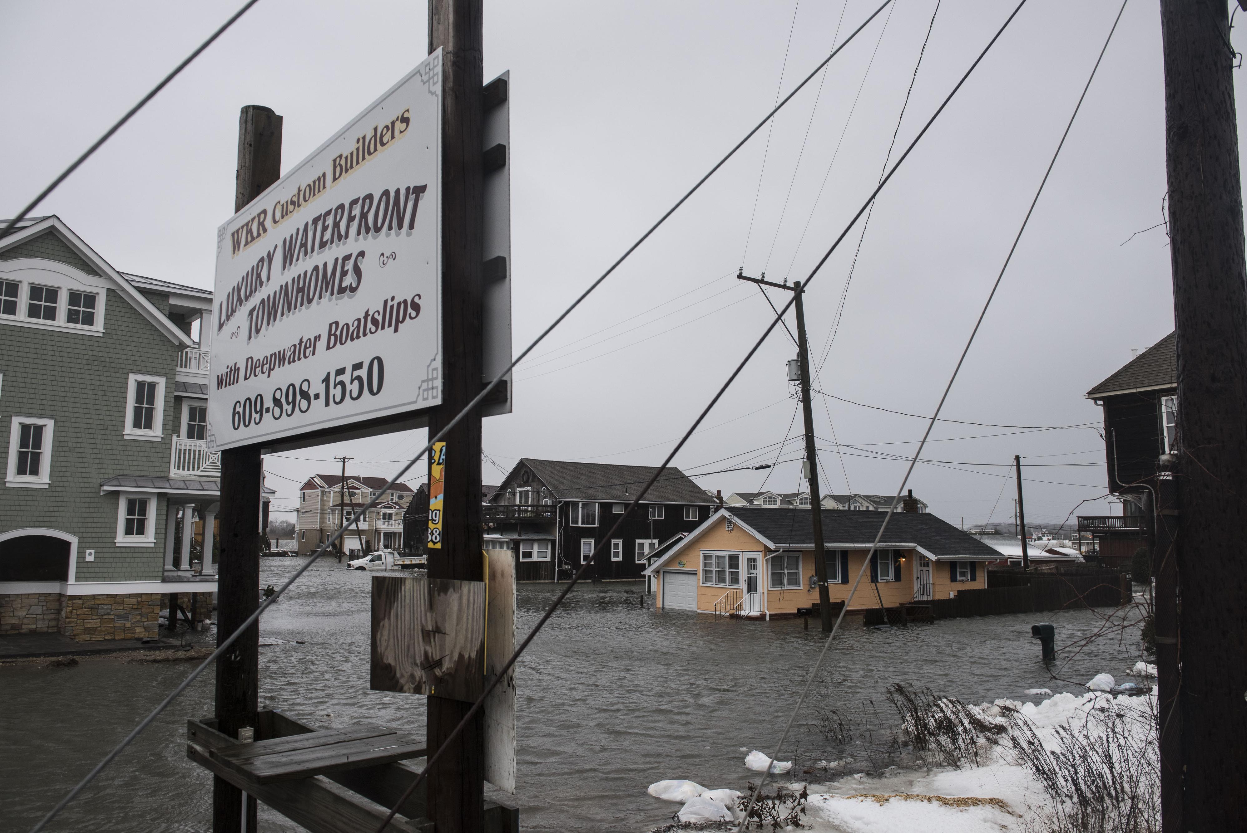 Winter Storm In Eastern U.S. Buries Cities, Floods Coast, Kills At Least 29