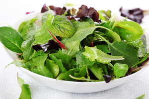 Dole has voluntarily withdrawn from the market all of its Dole-branded and private label packaged salads processed at a Springfield, Ohio plant because the plant has been linked to a Listeria outbreak.