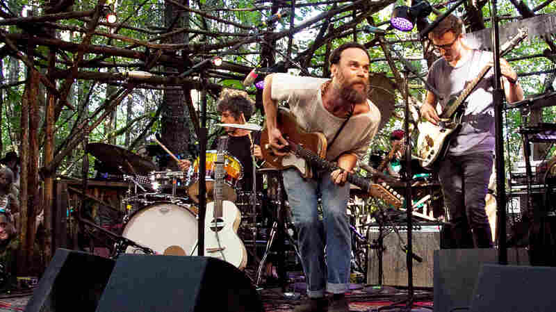 Rodrigo Amarante performs live at Pickathon for OPB.