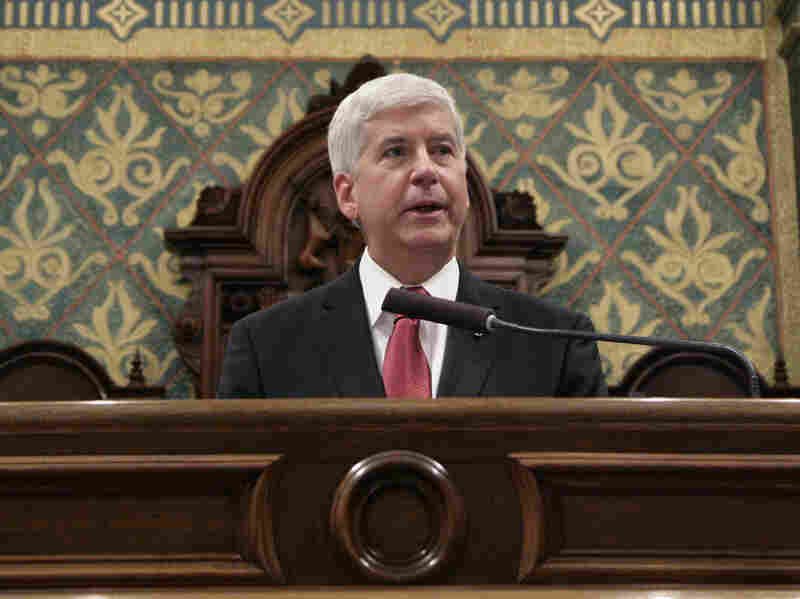 Gov. Rick Snyder, R-Mich., delivers his State of the State address last month, in which he apologized for the state's response to the Flint water crisis.