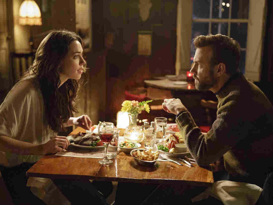 A New York writer (Jason Sudeikis) and a young widow from rural Maine (Rebecca Hall) collaborate to write a biography of the woman's deceased husband, an acclaimed folk singer, in Tumbledown.