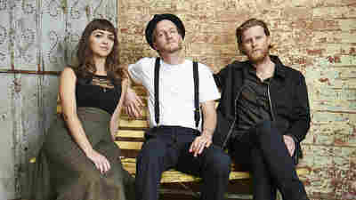 The Lumineers (L-R): Neyla Pekarek, Jeremiah Fraites and Wesley Schultz.