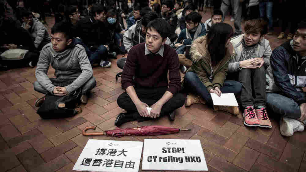 In Hong Kong, A Tussle Over Academic Freedom