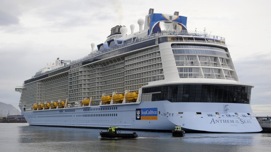 Damaged By Strong Storm Off Eastern US Cruise Ship Heads Back - List of largest cruise ships