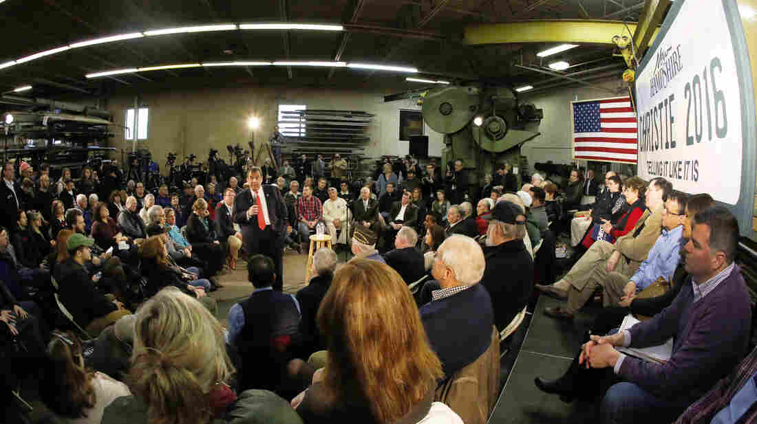 New Jersey Gov. Chris Christie holds a town hall event at a metal fabrication company in Hudson, N.H., on Monday.