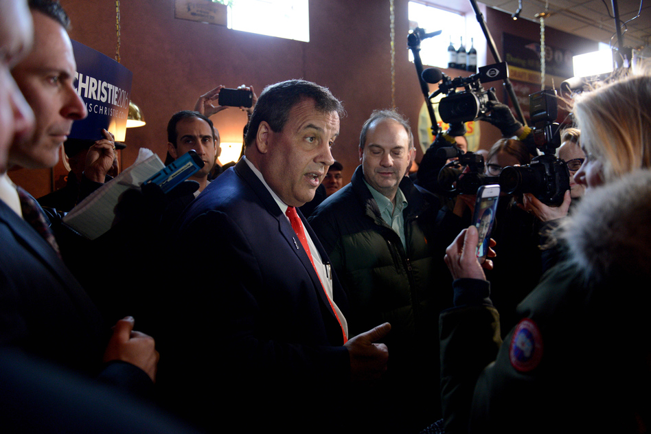 Chris Christie makes a midday stop at T-Bones Great American Eatery in Derry, N.H., as he canvasses for votes on Tuesday. (Meredith Nierman/WGBH)