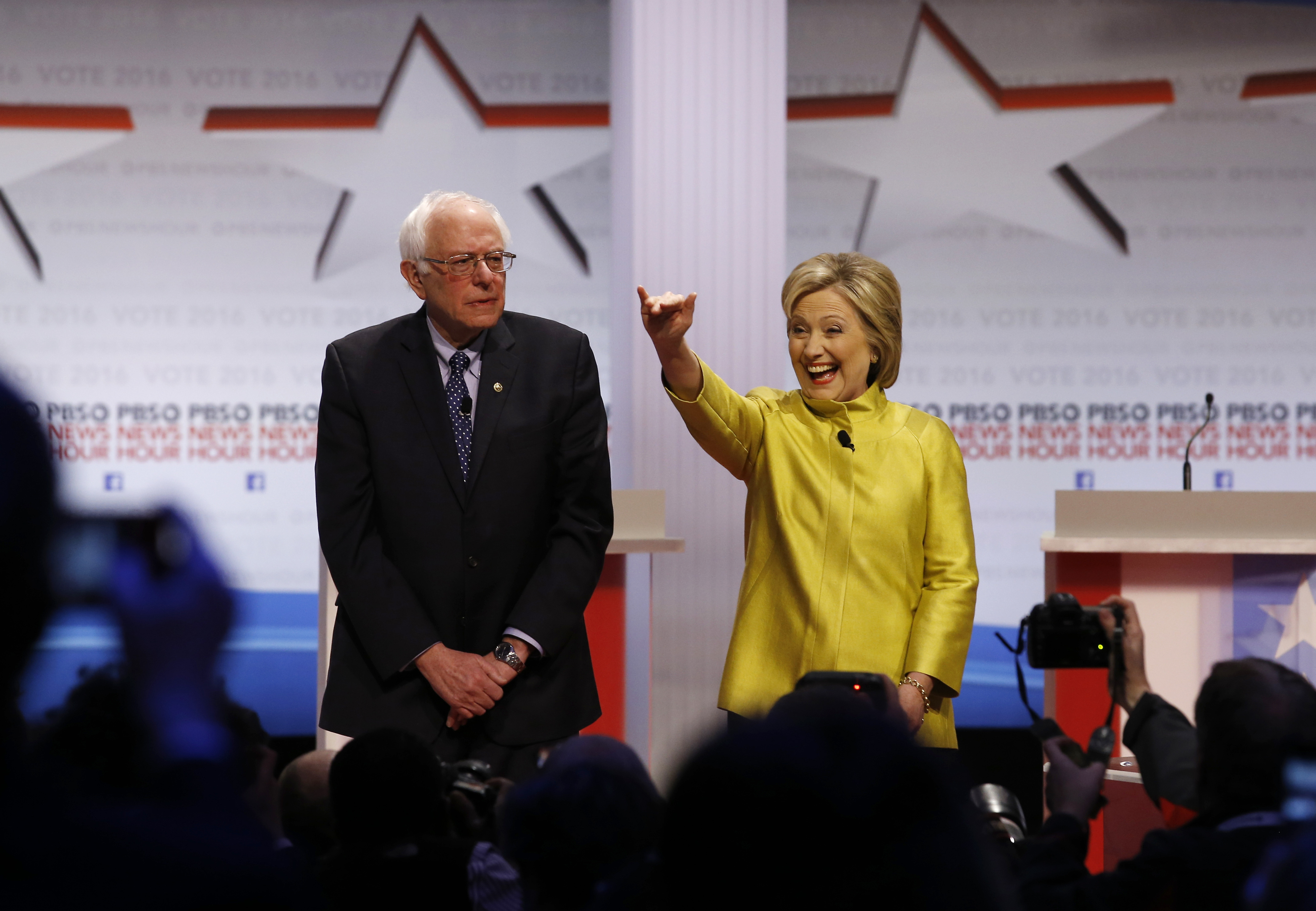 The 6th Democratic Presidential Debate In 100 Words (And 3 Videos)