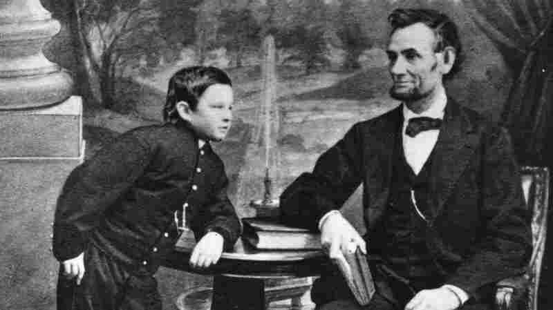 Abraham Lincoln with his son Thomas.