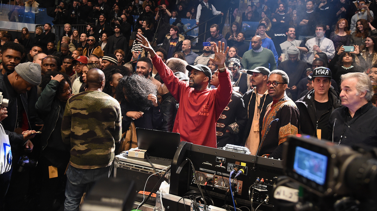 Kanye west plays puppet master with 39 life of pablo - Kanye west tickets madison square garden ...