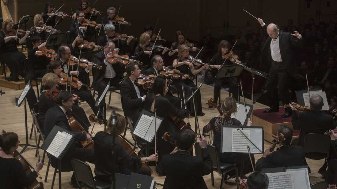 Budapest Festival Orchestra Plays Carnegie Hall