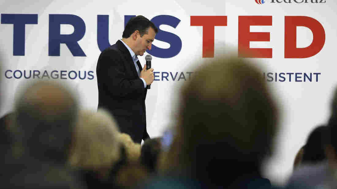 Texas Sen. Ted Cruz campaigns in Myrtle Beach, S.C.