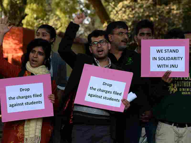 Indian students protest against the arrest of the president of Jawaharlal Nehru University student Kanhaiya Kumar in New Delhi on Feb. 14, 2016.