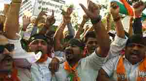Activists from India's ruling Bharatiya Janata Party (BJP) shout slogans during a protest in Mumbai against the Students Union at Jawaharlal Nehru University in New Delhi on Feb. 15, 2016.