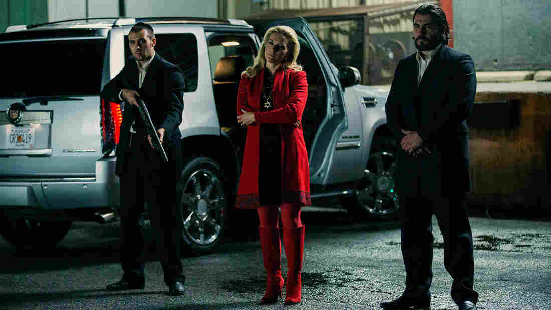 "The Russian mob plans a 999, code for ""officer down"", to pull of a heist in Triple 9."
