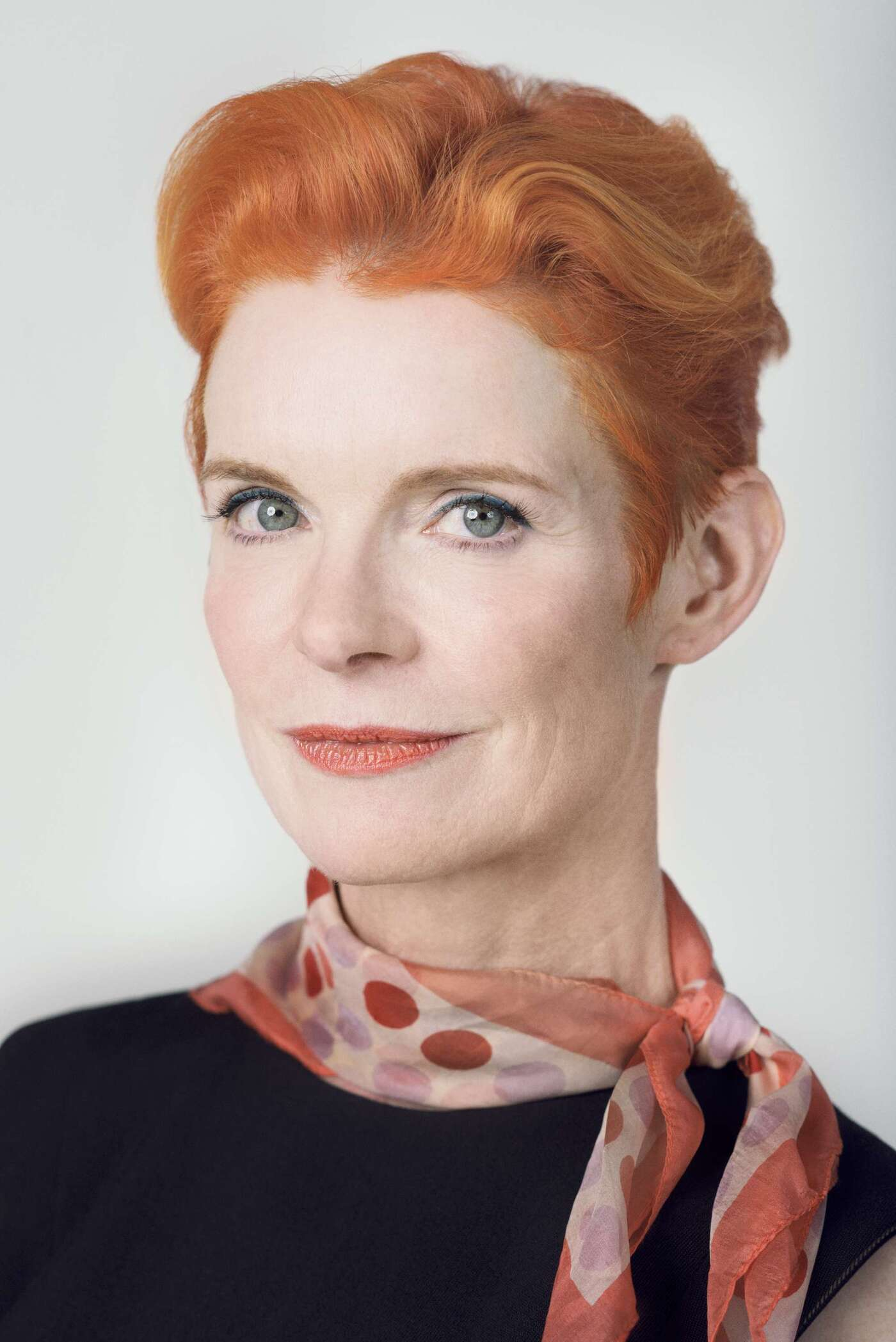 costume designer sandy powell - 700×1048