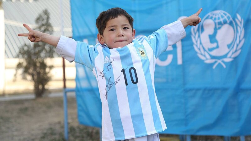 quality design 28450 b5cd9 Score! Afghan Boy With Homemade Lionel Messi Jersey Just Got ...