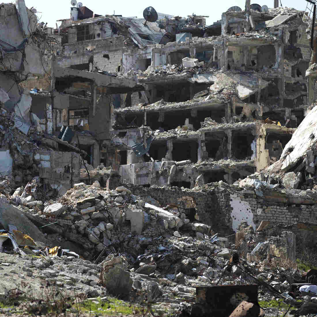 Destroyed buildings in the old city of Homs, Syria, on Friday.