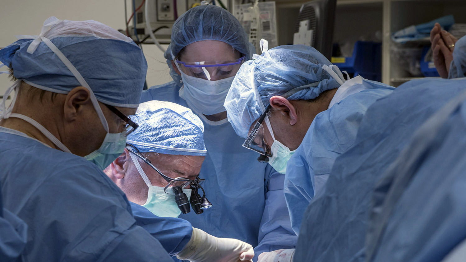 photo Woman Who Had 1st U.S. Uterus Transplant Loses the Organ Due to Complication