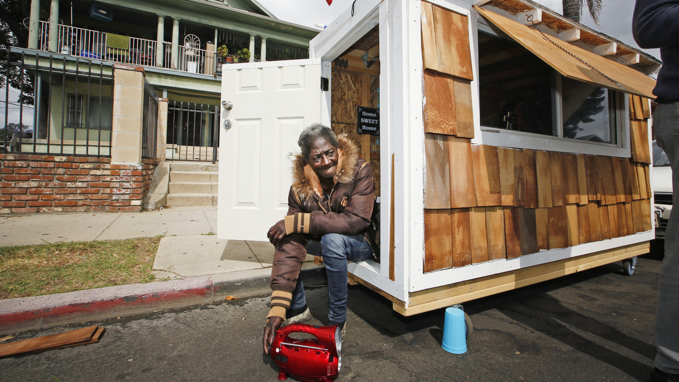 la officials bring the hammer down on tiny houses for homeless npr. Black Bedroom Furniture Sets. Home Design Ideas