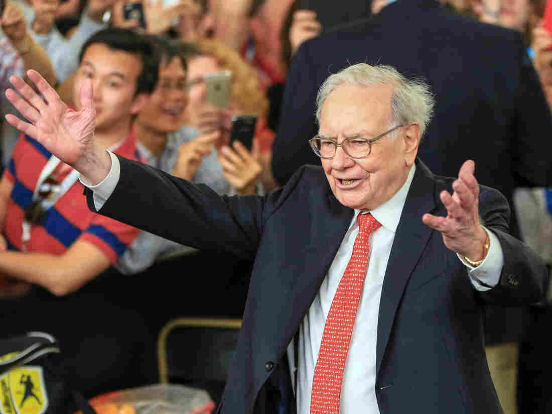 Warren Buffett is on one side of a high stakes bet that hinges on one of investing's deepest questions: Is it possible to beat the market? (AP Photo/Nati Harnik, File)
