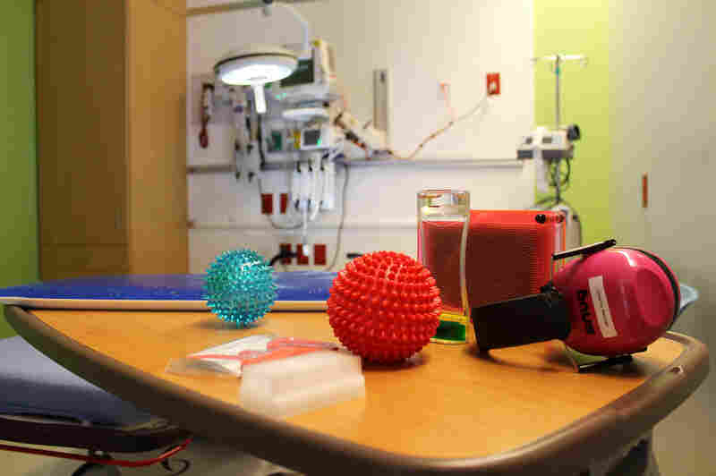 The ER in Nemours Children's Hospital in Orlando offers kids toys and noise-canceling headphones to help soothe nerves during treatment. Some parents say they choose this ER over closer hospitals because it better meets their kids' needs.