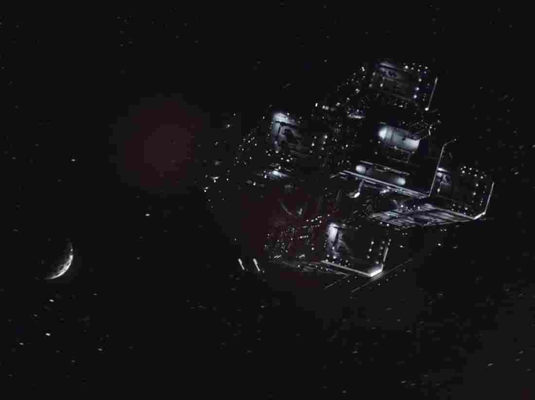 A screen grab of the transport that takes Detective Josephus Miller from dwarf planet Ceres to astroid Eros in SyFy's Expanse.