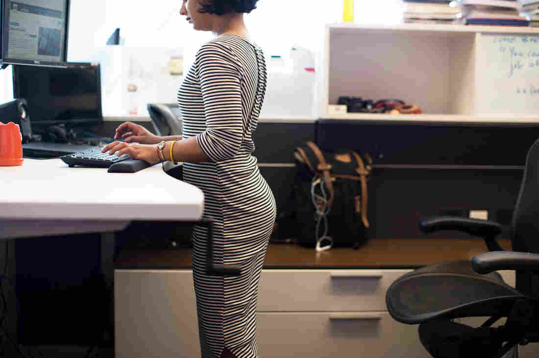 An analysis of 20 studies failed to find good evidence that standing at a work desk is better than sitting.