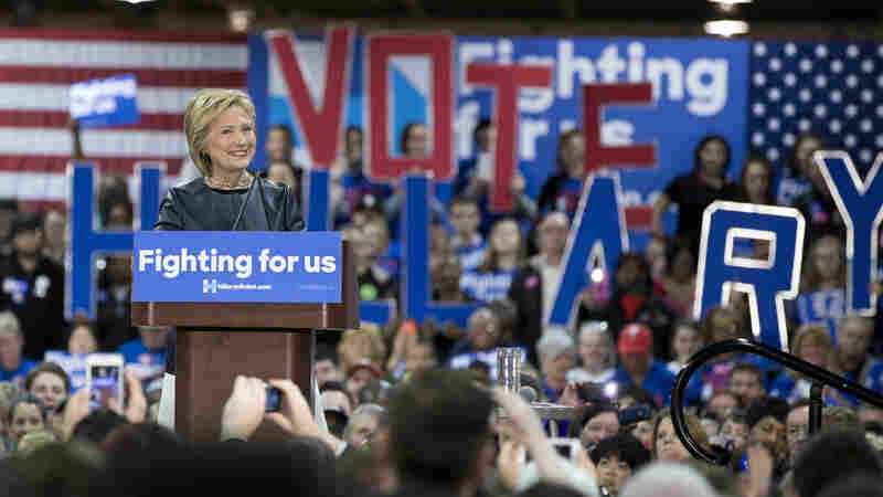 Hillary Clinton holds a campaign event at the Nelson-Mulligan Carpenters Training Center in St. Louis on March 12.