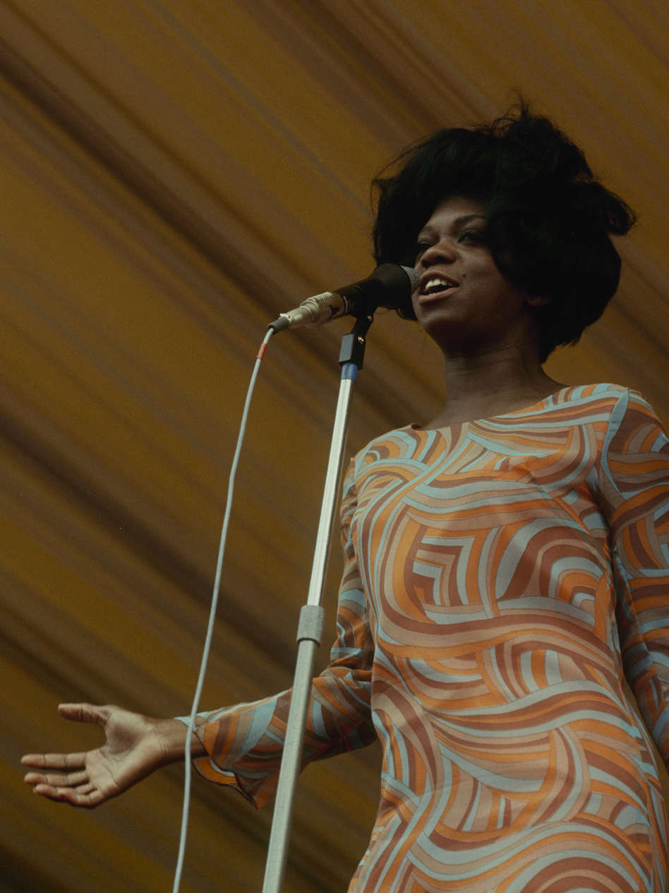 Ernestine Anderson performs at the Windsor Jazz Festival in 1966.