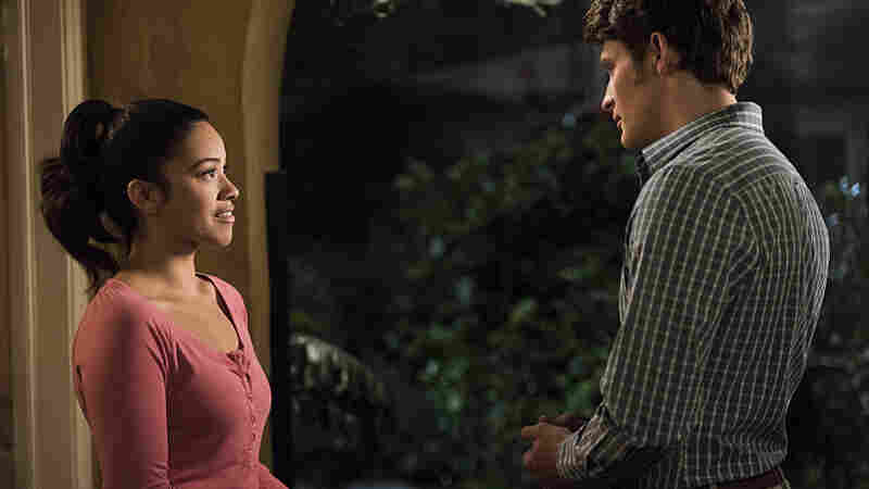 Gina Rodriguez as Jane and Brett Dier as Michael in the popular TV series Jane the Virgin, in which a shared online calendar was a plot point.