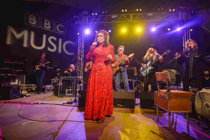 "Before a huge crowd at BBC Music's showcase, the iconic Loretta Lynn interspersed classics like ""Fist City"" with songs from her new album, Full Circle."