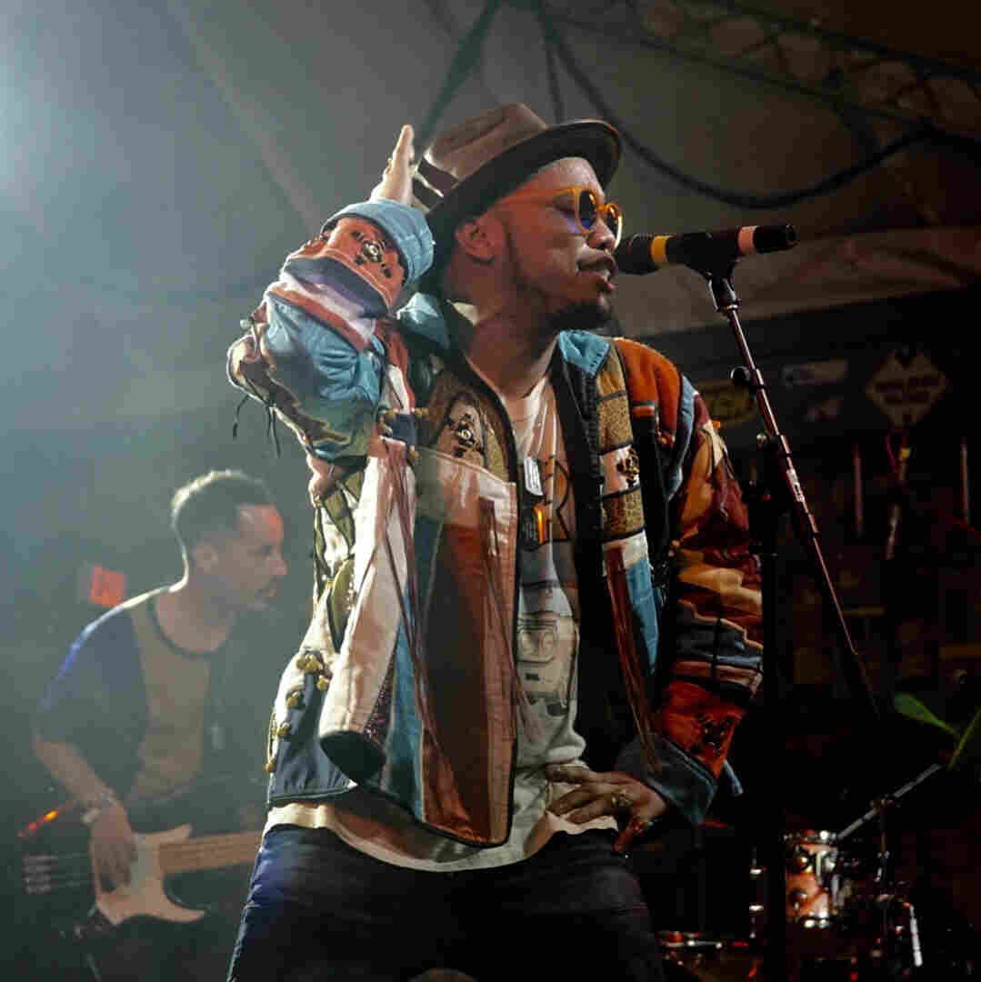 Anderson .Paak & The Free Nationals, 'Am I Wrong' (Live At SXSW 2016)