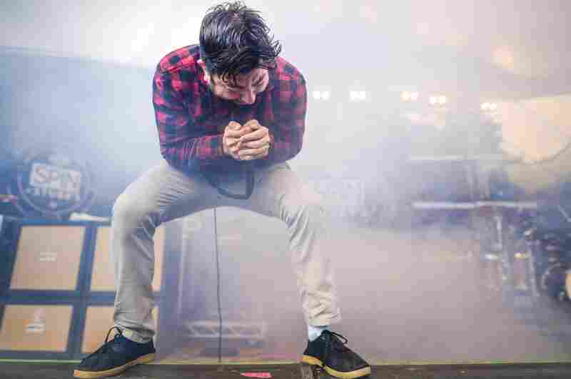 """Deftones played SXSW for the first time this year. Maybe they knew about Drake's surprise show, but the metal band covered """"Hotline Bling"""" during its set for Spin's day party."""