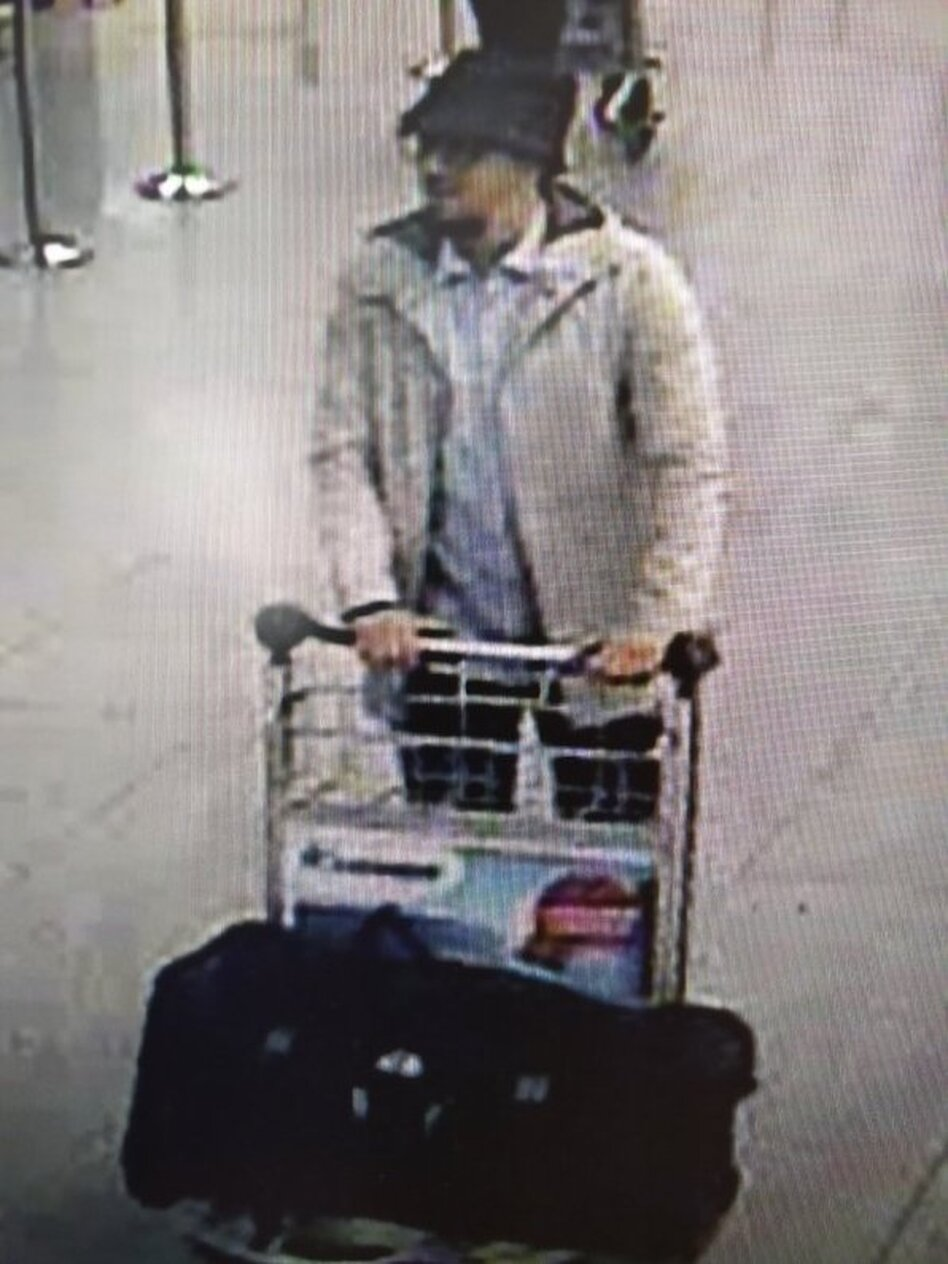 Investigators in Belgium are asking the public's help in identifying this man who was seen at the Brussels airport before this morning's terrorist attack. (Belgian Federal Police)