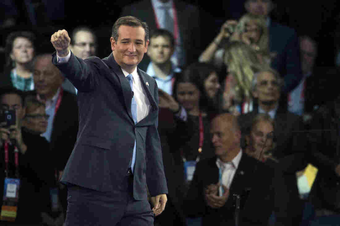 Republican presidential candidate Texas Sen. Ted Cruz waves as he arrives to speak at the 2016 American Israel Public Affairs Committee (AIPAC) Policy Conference on Monday, March 21, 2016, in Washington. (AP Photo/Evan Vucci)