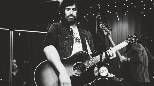 Pete Yorn performs live on KCRW. (KCRW)