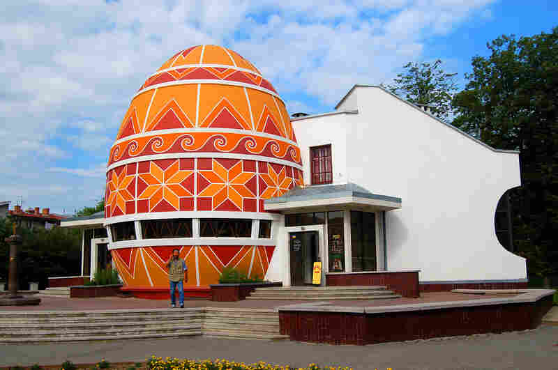 Yes, there is even a Pysanka Museum — in Kolomyia, Ukraine.