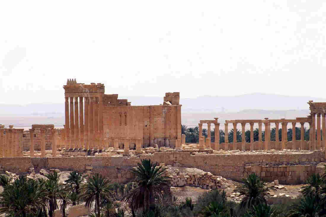With support from Russian air forces, the Syrian army drove out Islamic State militants from Palmyra on Sunday, since the extremists captured the city last May.