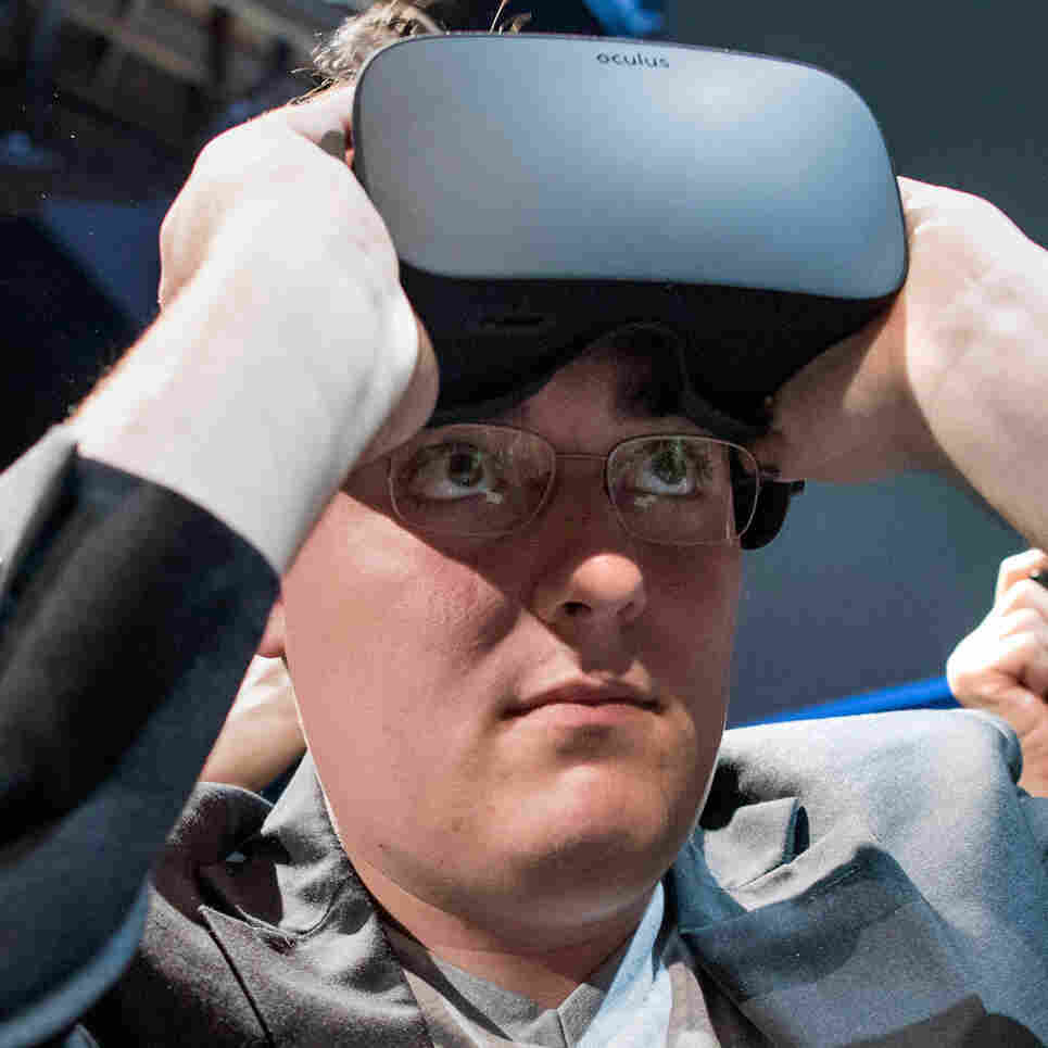 Virtual Reality Whiz Palmer Luckey: Future Will Be 'More Boring Than We Think'