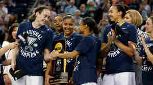 Women's NCAA Championship: Connecticut To Face Syracuse