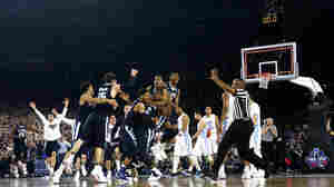 Villanova Beats North Carolina 77-74 On Buzzer Beater To Win Hoops Title